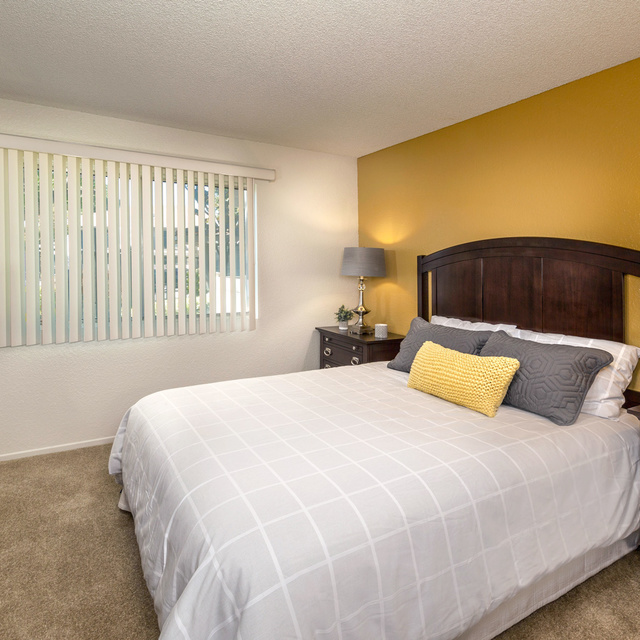 Somerset Apartments - Model Bedroom