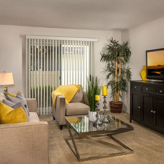 Somerset Apartments - Living Area
