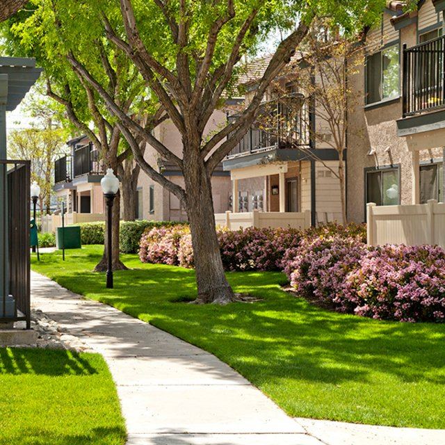 Somerset Apartments - Walkway