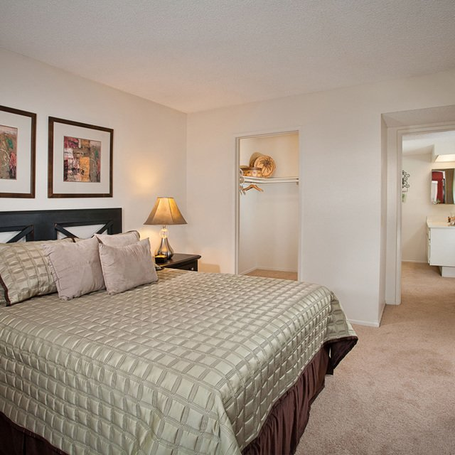 Sycamore Park Apartments - Bedroom