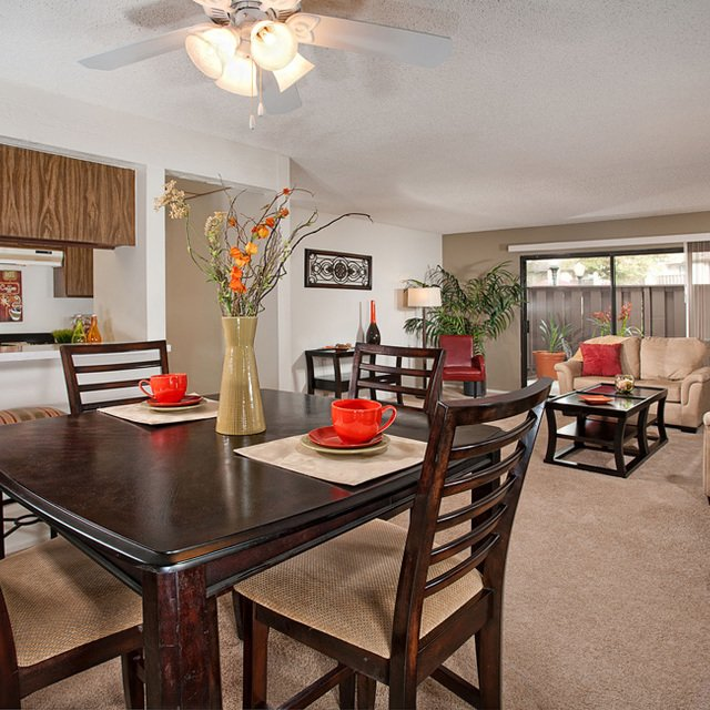 Sycamore Park Apartments - Dining Room
