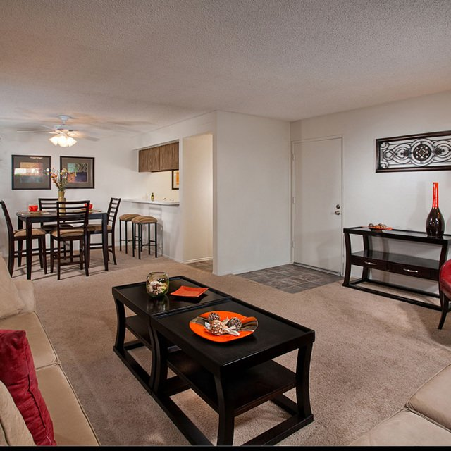 Sycamore Park Apartments - Living Room