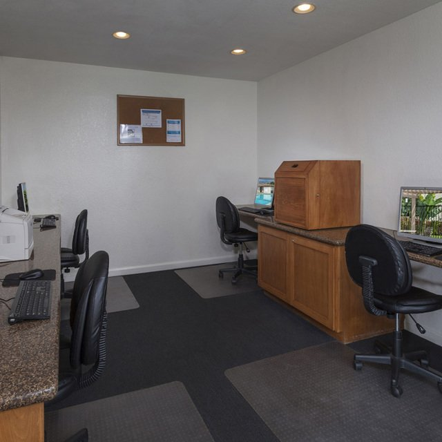 Terra Vista Apartments - Business Center