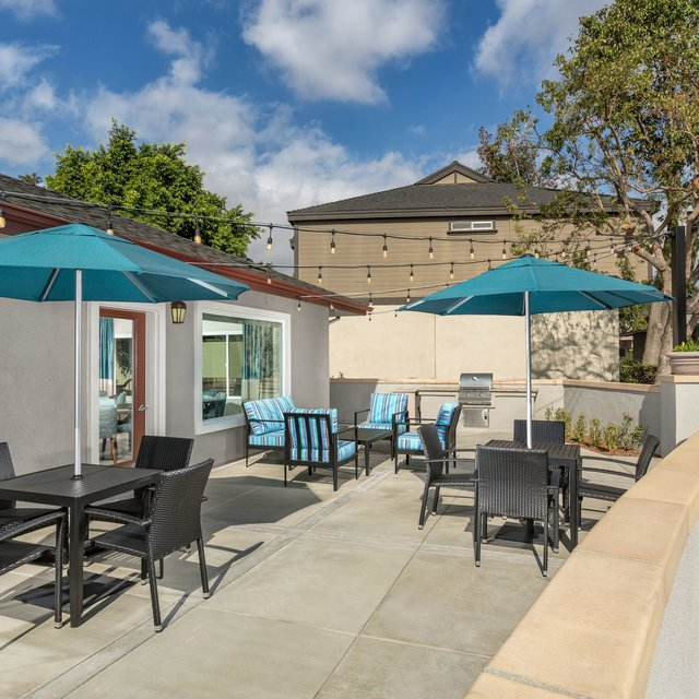 Terra Vista Apartments - Outdoor BBQ Area