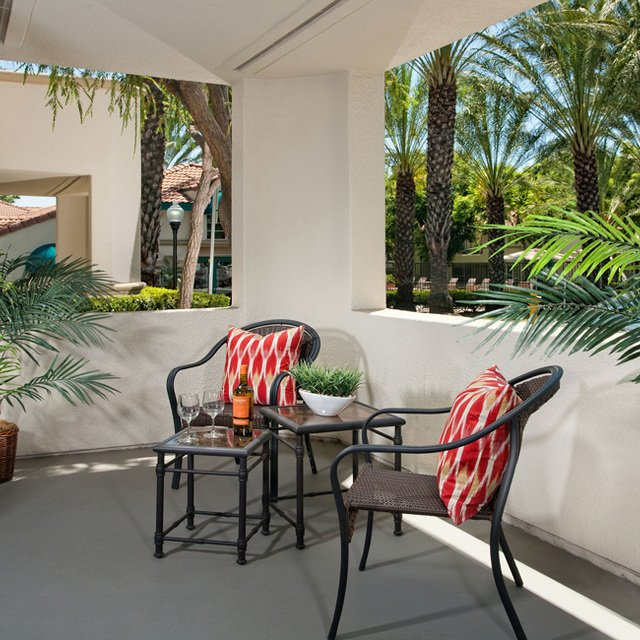 Montecito Apartments - Private Patio