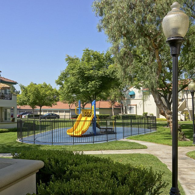 Montecito Apartments - Playground