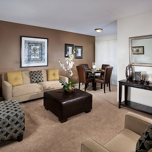Linden Court Apartments - Living Area
