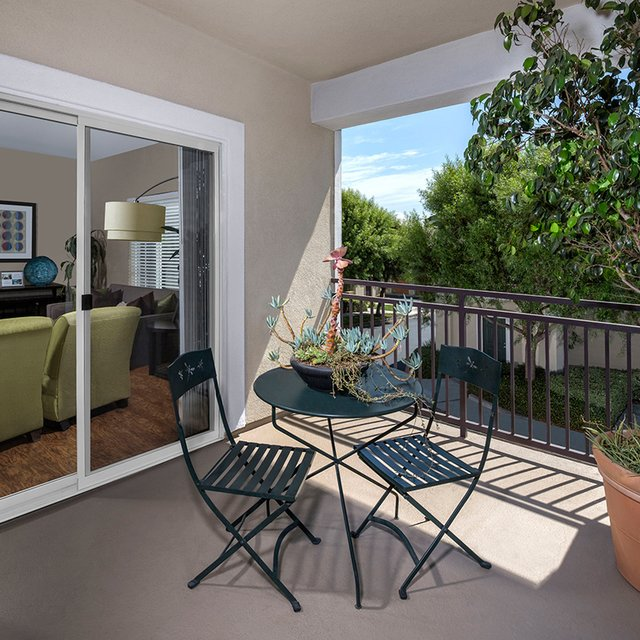Jamboree Apartments - Private Patio