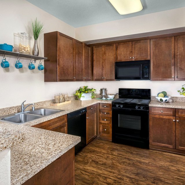 Jamboree Apartments - Kitchen