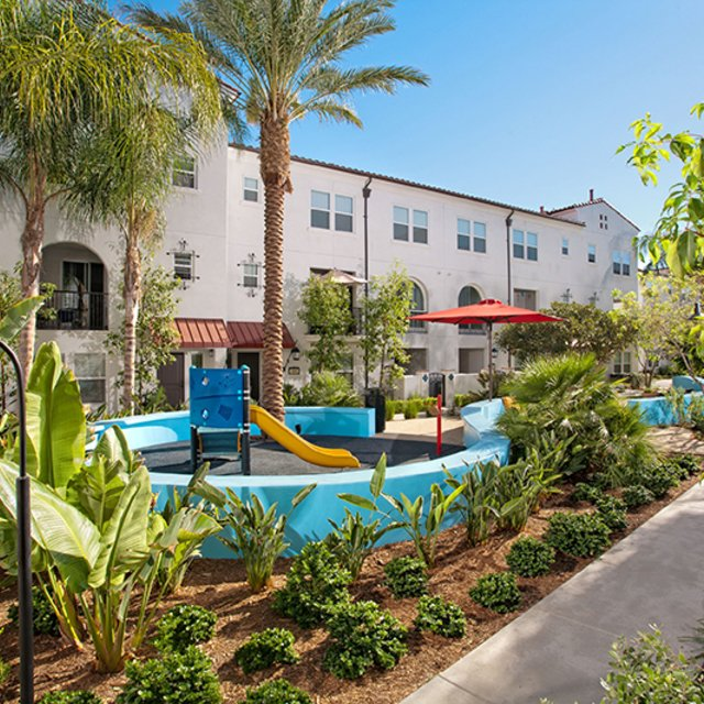 Santa Barbara Apartments - Play Area