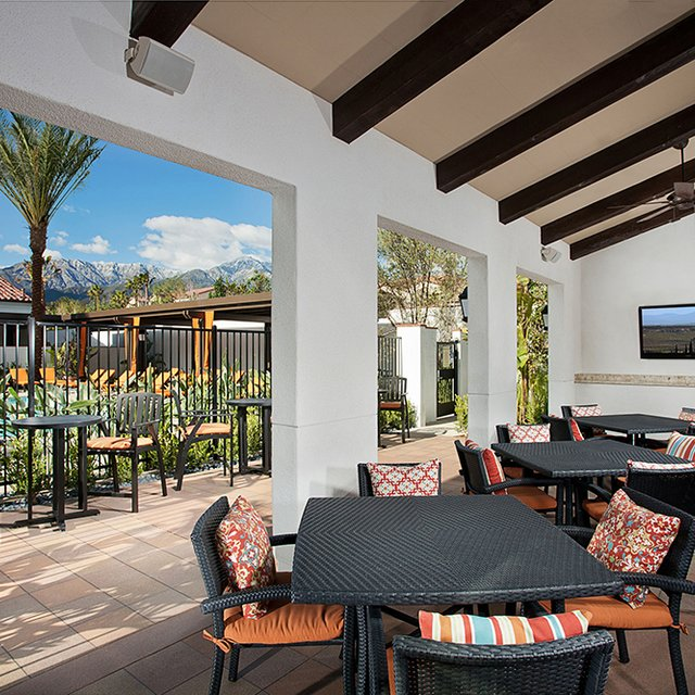 Santa Barbara Apartments - Outdoor Entertainment Area