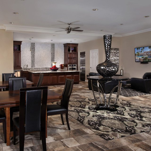 Crystal Cove Apartments - Clubhouse interior