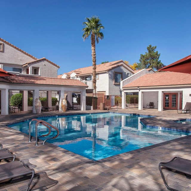 Crystal Cove Apartments - Pool