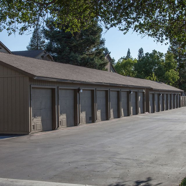 Evergreen Park Apartments - Garages