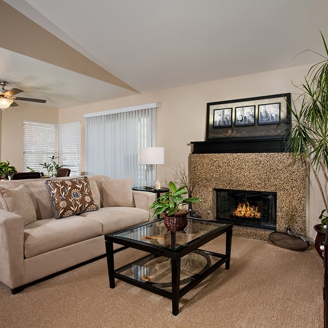 Del Mar Apartments - Living space
