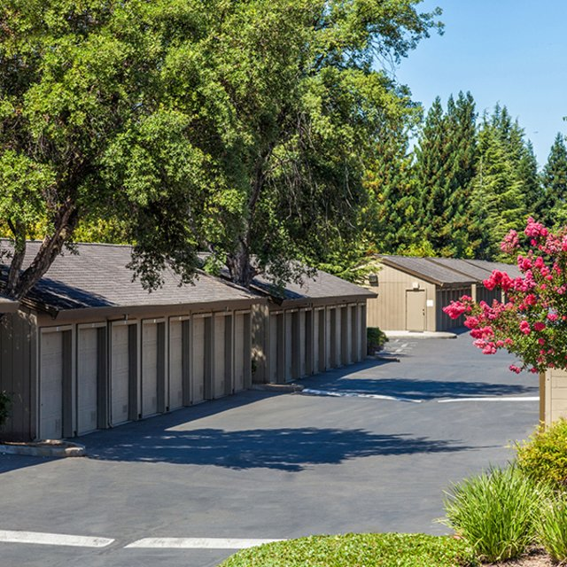 Garages | Antelope Ridge Apartments