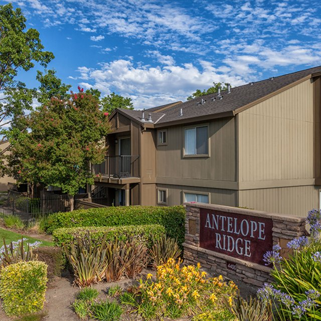Community Sign | Antelope Ridge Apartments