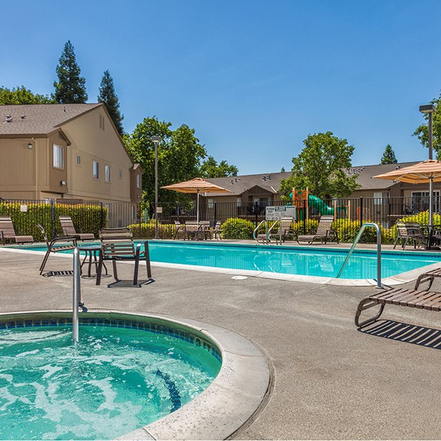 Antelope Ridge Apartments - Pool