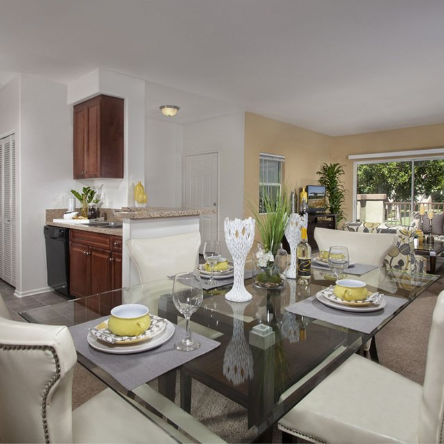 Carmel at Terra VIsta | Dining area with glass table