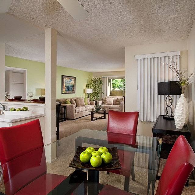 Suncape Apartments - Dining Room