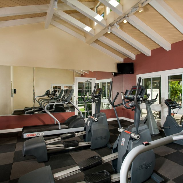 Suncape Apartments - Fitness Center
