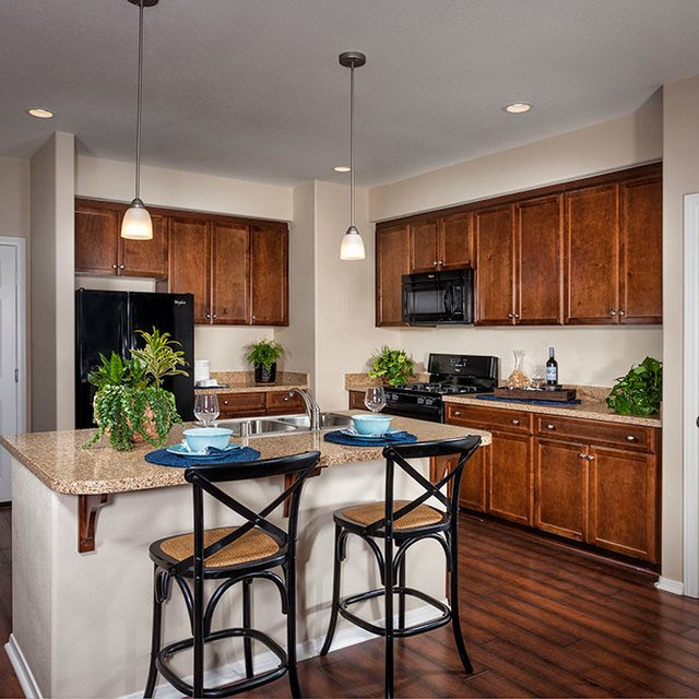 Homecoming at the Preserve Apartments - Kitchen, bar, and pantry