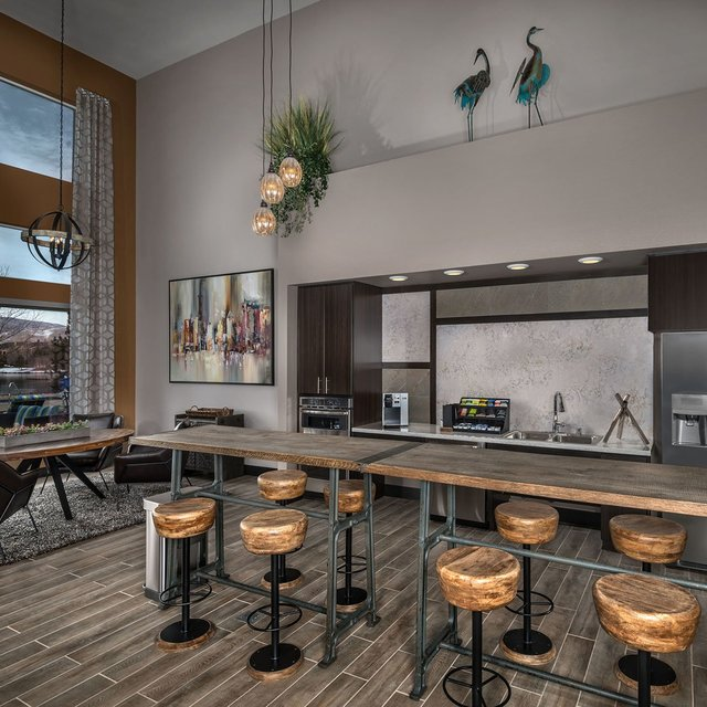 Latitude 39 Apartments - Community Kitchen