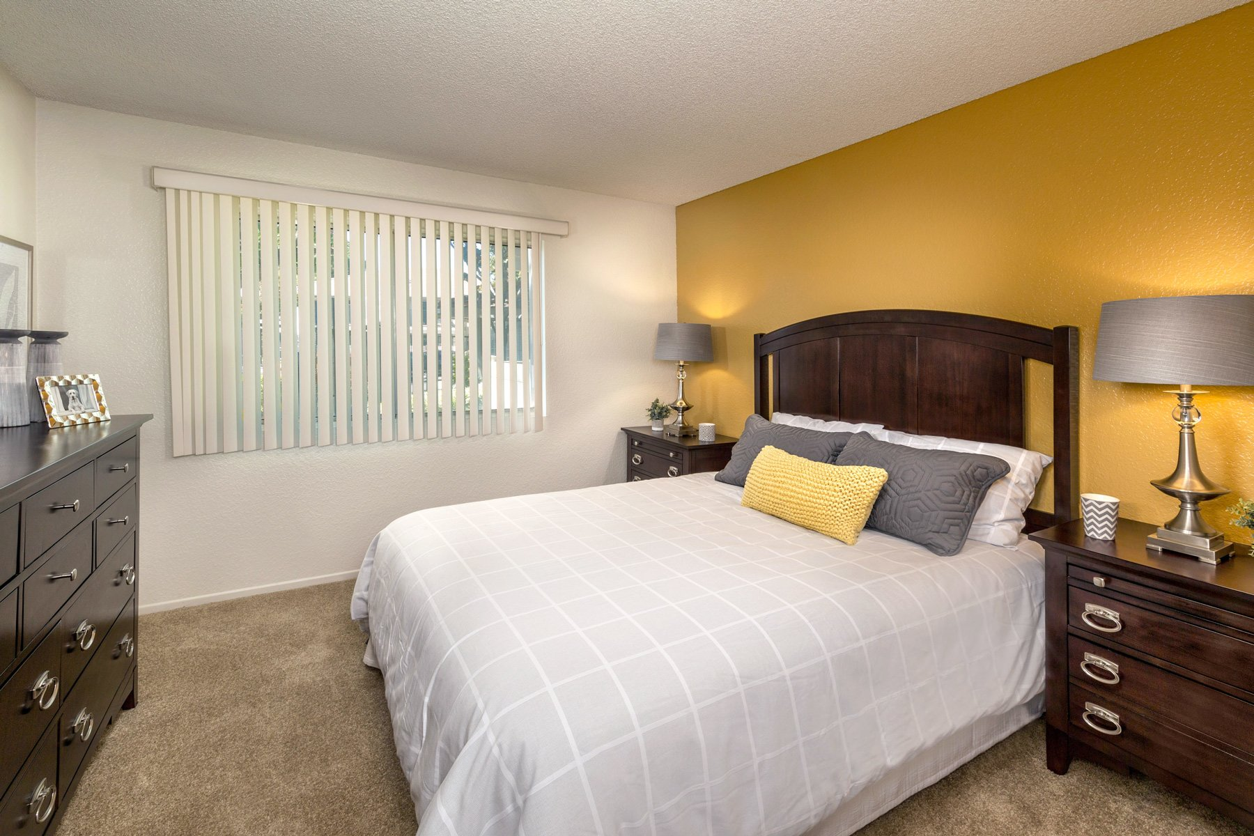 Somerset Apartments | Apartments in Redlands