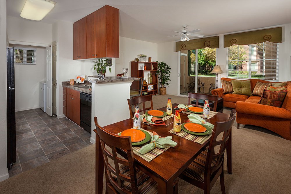Natomas Apartments Sacramento | Homecoming at Creekside