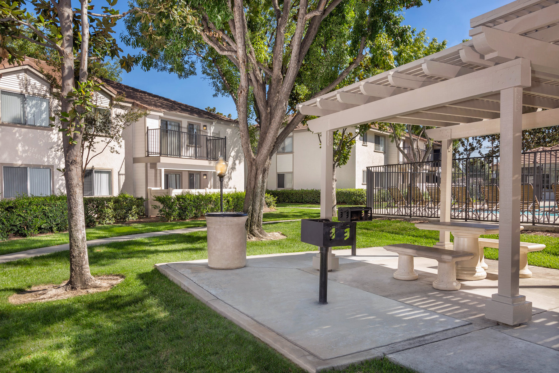 More On Freeways To Parks >> Somerset Apartments | Apartments in Redlands